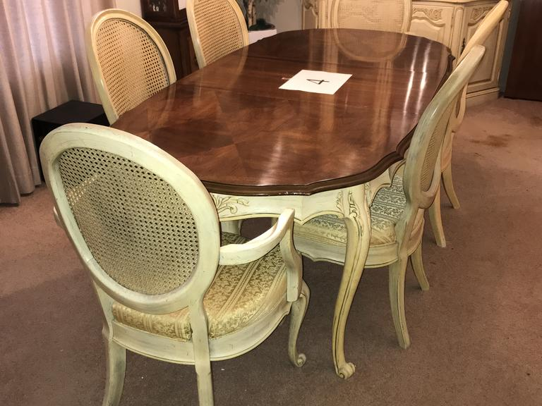 Beautiful French Provincial Style Dining Table w/6 Chairs (2 Captain's Chairs) *Matches Item 2A
