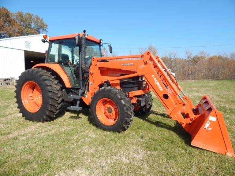 Kubota M105S 4 WD Tractor w/ Cab and LA13015 Loader