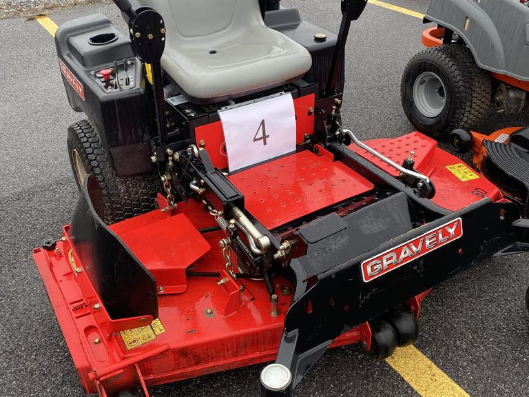 "Gravely ZT 60 HD 60"" +/-300 HRS; Kawasaki 24Hp"