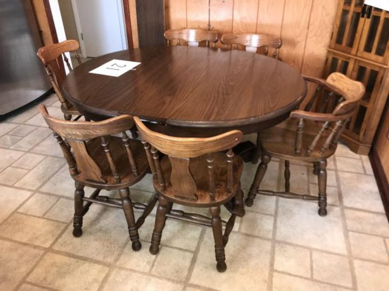 OAK KITCHEN TABLE W/2 LEAVES, FORMICA TOP, & 6 CHAIRS (1 CAPTAIN)